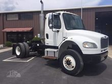 2005 Freightliner Business clas