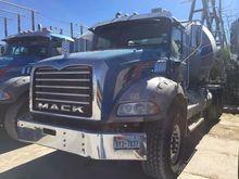 2013 Mack GU813