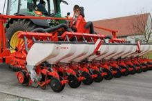 2012 Kuhn Planter 3 12R Single-