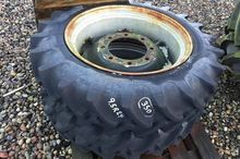 Firestone 9.5R24 Wheel