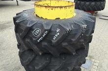 Pirelli 16,9R24 Tires