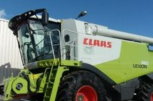 2012 CLAAS LEXION 740 Combine h