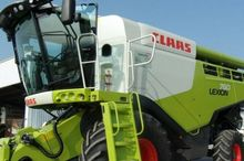 2015 CLAAS LEXION 760 Combine h