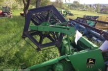 John Deere 319 Combine harveste