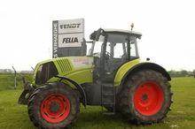 CLAAS AXION 820 Tractor