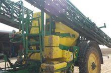 2011 832i Field sprayer