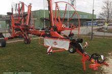 2016 Kuhn GA8030 Windrower
