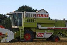 1996 CLAAS Mega II 202 Combine