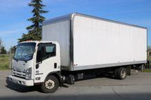 2015 Isuzu NRR 24ft Box Van lif