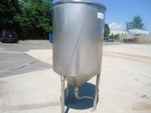 100 GALLON STAINLESS CONE BOTTO