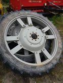 Traktorivarusteet Taurus 230/95