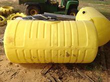 2010 John Deere 200 Gallon Sadd