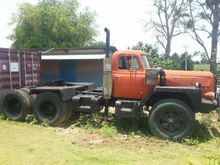 INTERNATIONAL Truck Tractor + T