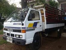 ISUZU NKR six-wheel truck 6764