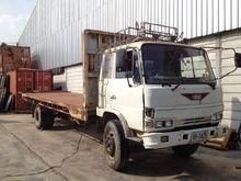 six-wheel truck hino 13174