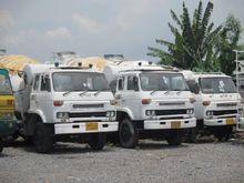 NISSAN UD truck tractor + semi-