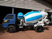 ISUZU trucks, cement 13000