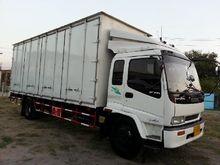 Isuzu deca six wheel trucks 114