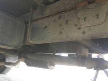 Isuzu deca six-wheel truck 9374