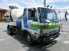 Select cement trucks NISSAN 901
