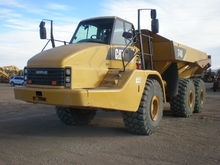 2011 Caterpillar Inc. 740