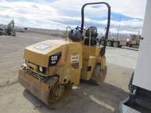 2013 CATERPILLAR INC. CB32