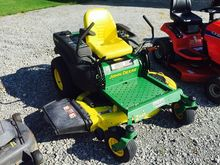 John Deere Z445 Riding Mower