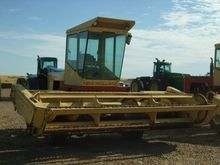 New Holland 1100 Windrower-Self