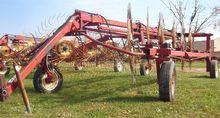 Hesston 3983 Tedder