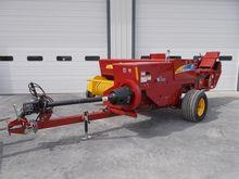 2011 New Holland BC5070 Baler-S