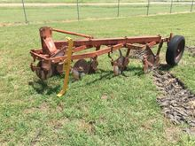 Allis Chalmers 4 plow Plow-Chis