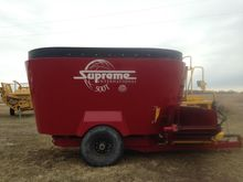 2015 Supreme 500T Feeder Wagon-