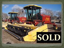 2001 New Holland HW 320 Windrow