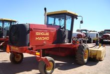 2000 New Holland HW340 Windrowe