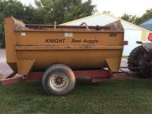 Knight 3036 Feeder Wagon-Portab