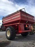 2010 J & M 875-18 Grain Cart