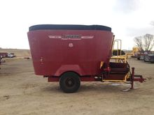 2004 Supreme 700T Feeder Wagon-