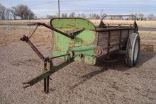 John Deere Manure Spreader-Dry/