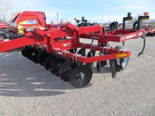 Case IH 527B Tillage