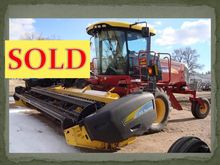 2009 New Holland H8040 Windrowe