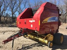 2009 New Holland BR7090 Baler-R