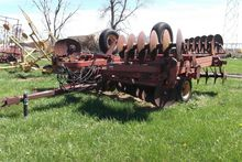 Kewanee 1020 Disk Harrow