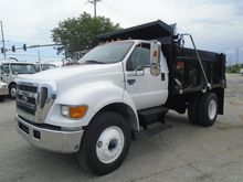 2004 FORD F750
