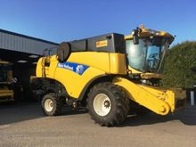 Used 2004 HOLLAND CX