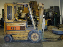 HYSTER 5 5, 500 LB. ELECTRIC FO