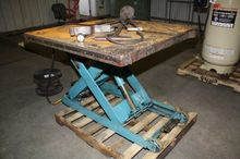AUTOQUIP HYDRAULIC LIFT TABLE