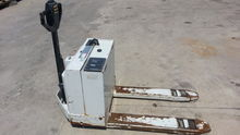 YALE ELECTRIC PALLET TRUCK, MOD
