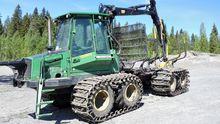 2007 John Deere 810 D