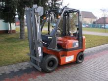 Used 2000 NISSAN PD0