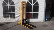 TOTALLIFTER STACKER MS1030 1000